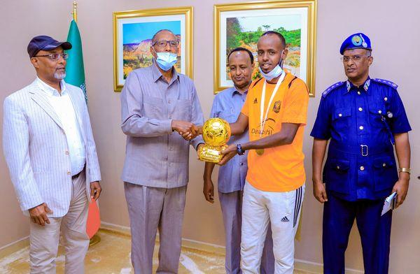 Cabdicasiis Gacan Oo Dhaawac Kaga Maqnaa Ciyaartii Kama Danbaysta Ahayd Ee Koobka Gobolada Somaliland Oo Bilado La Gudoonsiiyey