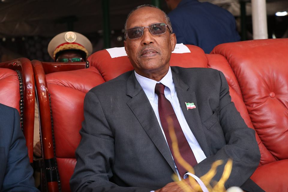 Madaxweynaha Somaliland oo la filayo inuu kala diro Golayaasha Deegaanka