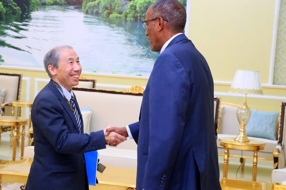 Madaxweyne Biixi Oo Qaabilay Safiirka Maraykanka U Qabilsan Somaliland/Somalia