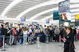 Shaqo Joojin Ay Ku Dhawaaqeen Shaqaalaha Heathrow Airport Oo Saamayna Ku Yeelatay 177 Duulimaad