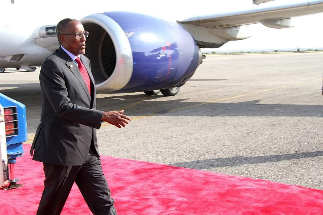 Madaxweynaha Somaliland Iyo Raysal-wasaare Ku-xigeenka Somaliya Oo Aas Ka Wada Qayb-galay