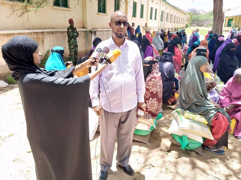 Ciidamada Ilaalada Madaxtooyada Somaliland Oo Raashinkoodii Bisha Uugu Deeqay Dad Danyar Ah