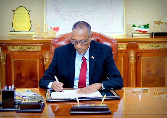 Madaxweynaha Somaliland Oo Cafis U Fidiyey 484 Maxbuus Fadliga Bisha Ramadaan Awgeed