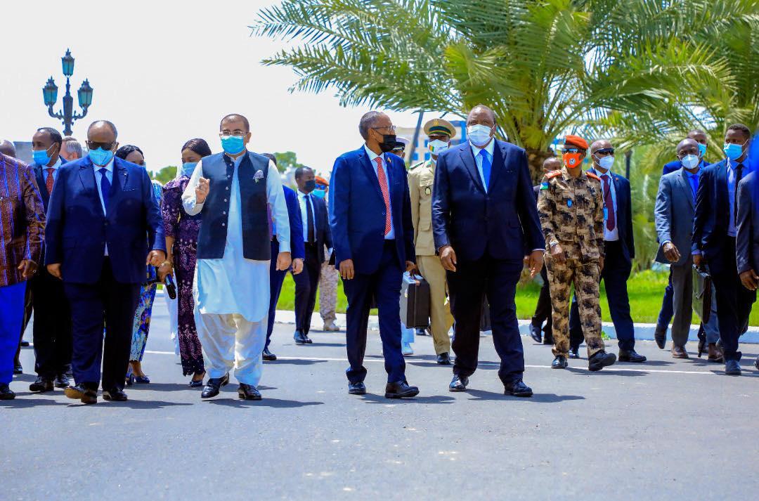 Madaxweynaha Somaliland oo ka qaybgalay Munaasibadda Caleemo-saarka Madaxweynaha Jabuuti
