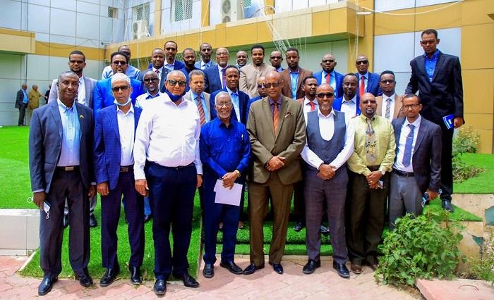 Madaxweynaha Somaliland Madaxtooyada Ku Qaabilay Xildhibaannadii Golaha Wakiillada Uga Soo Baxay Xisbiga Kulmiye